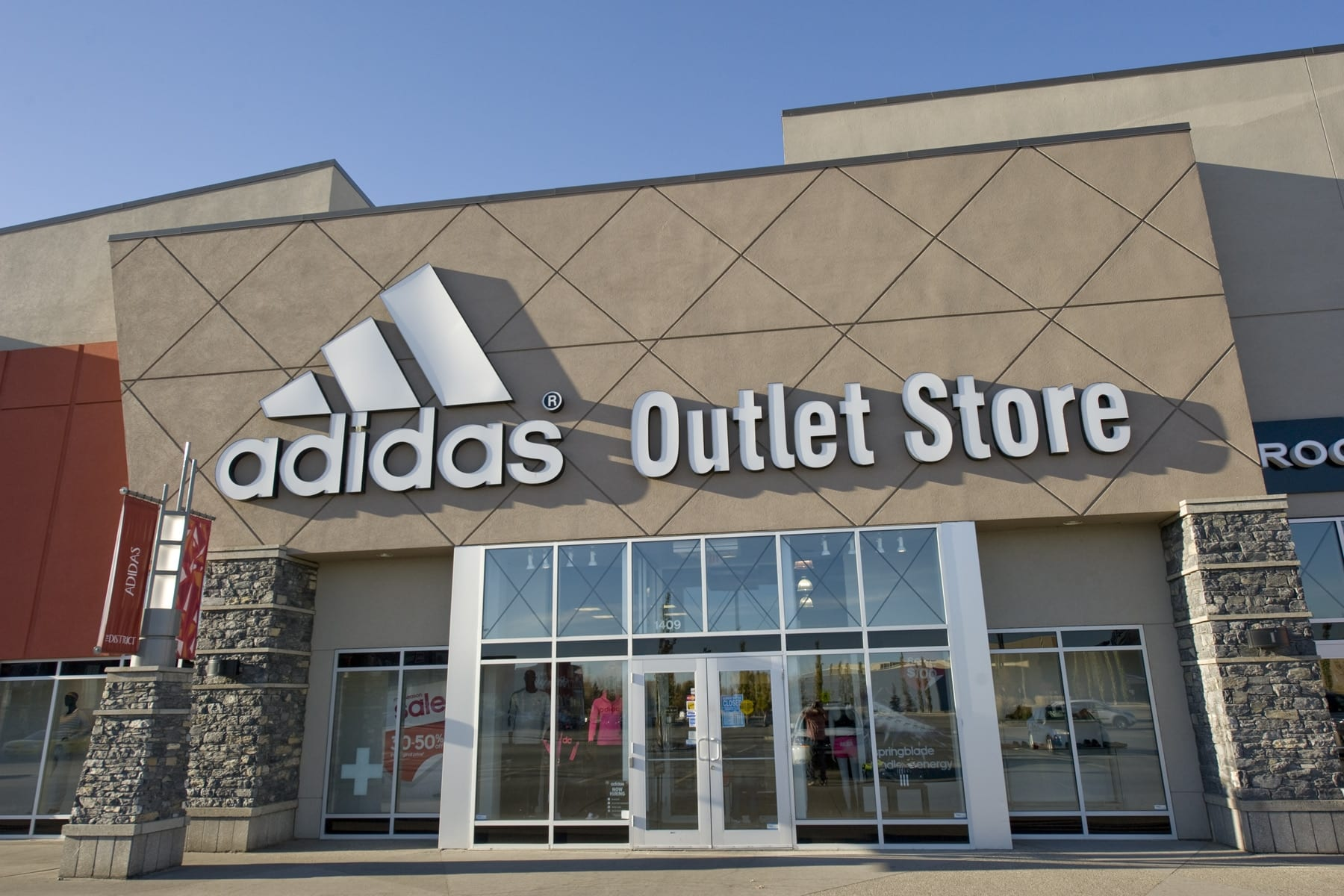 adidas outlet store locations canada