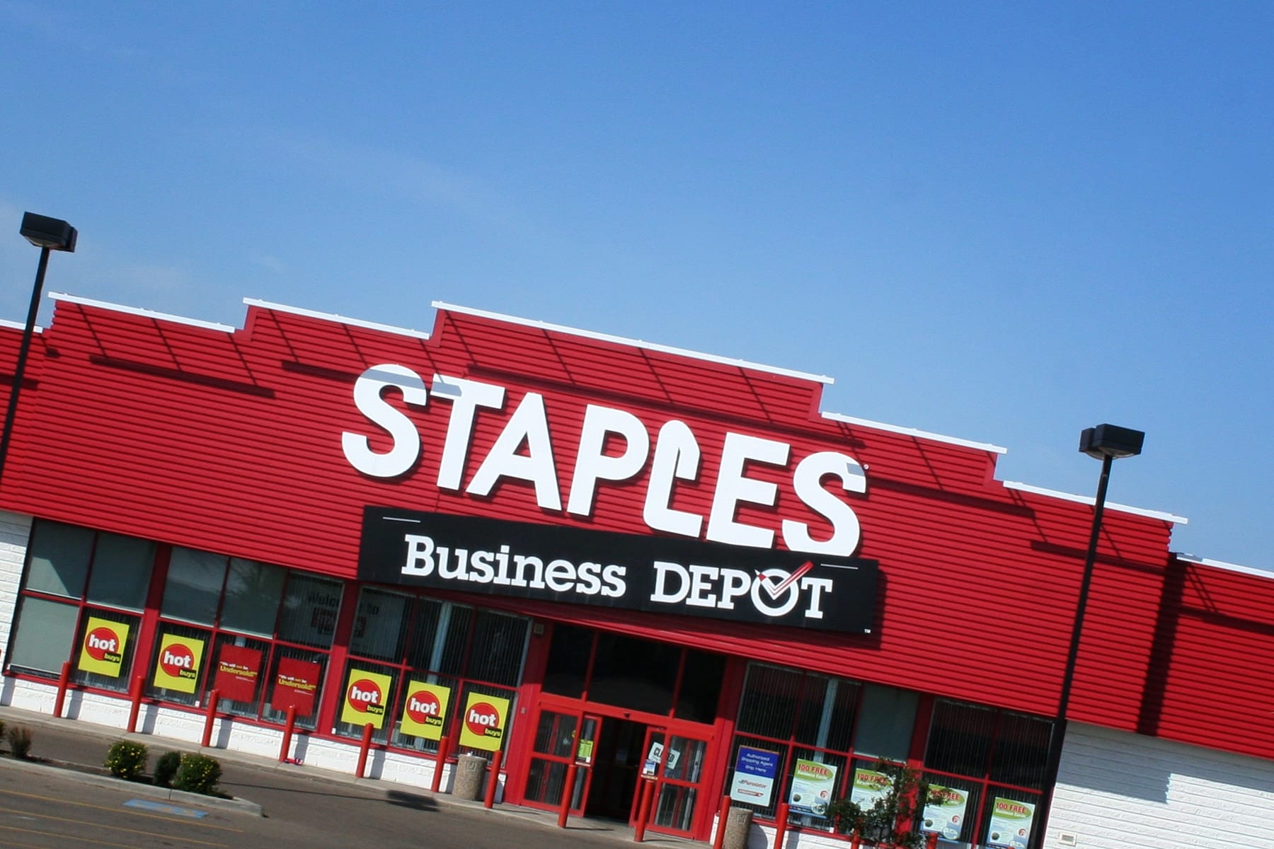 Staples south edmonton common reheart Images