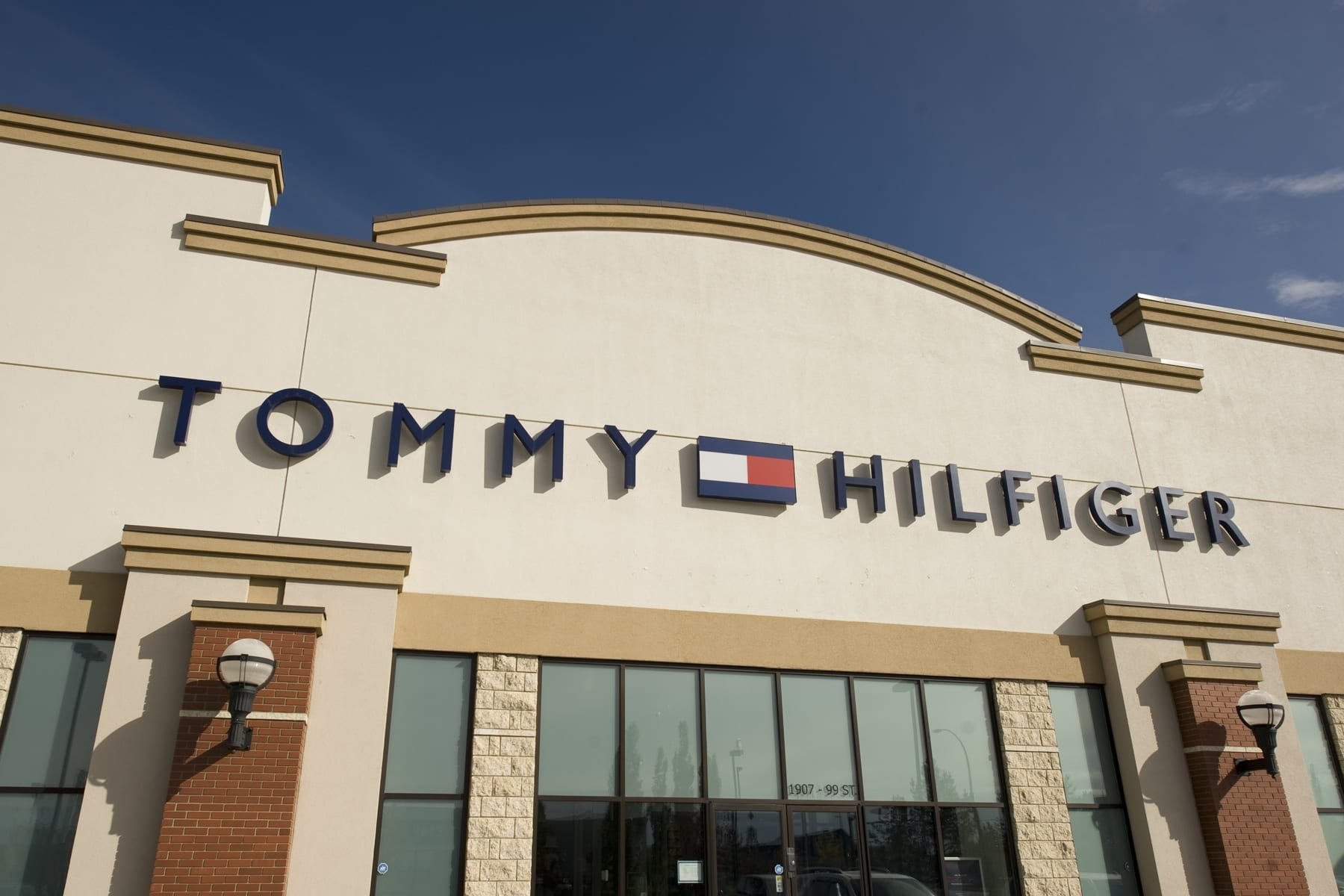 95252d53353fe Tommy Hilfiger - South Edmonton Common